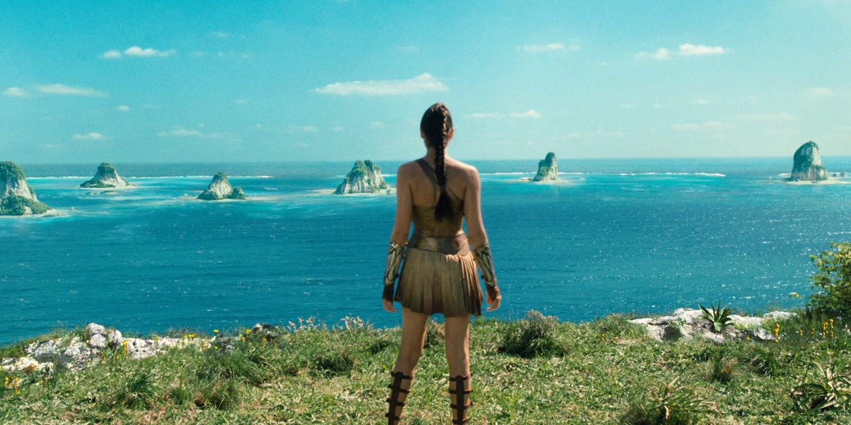 wonder-woman-trailer-themyscira-ocean